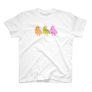 こっち見てる T-shirts