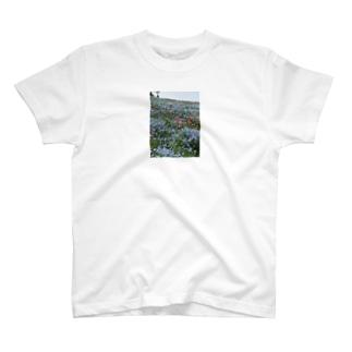 モネとネモフィラ T-shirts