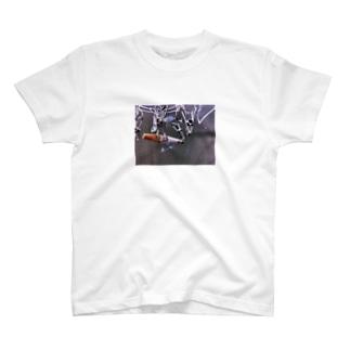 タバコ吊るし上げ T-shirts