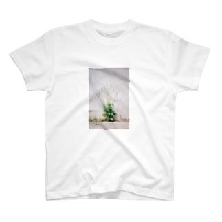 名前わかんない花 T-shirts