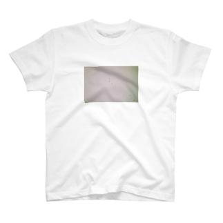飛び立つもの T-shirts