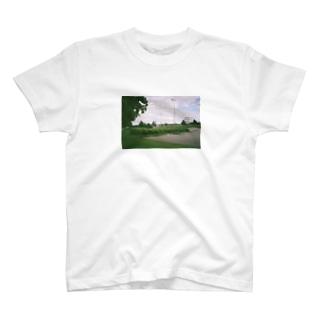 湖のほとりで T-shirts