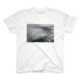 ナイアガラの滝 T-shirts