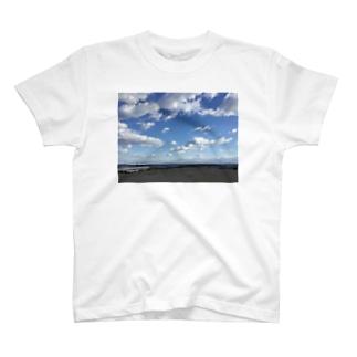 ある日の海 T-shirts