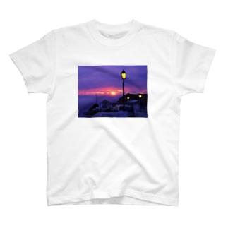 ナザレの崖 T-shirts