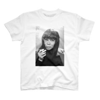 まきちゃん1 T-shirts