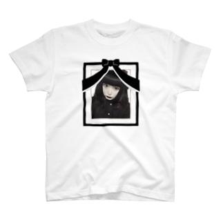 あーみんの遺影 T-shirts