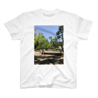 utsubo T-shirts
