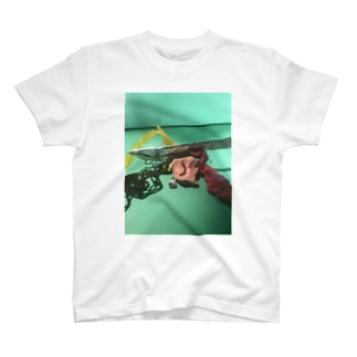 残骸 T-shirts