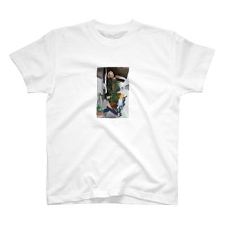 異国 T-shirts