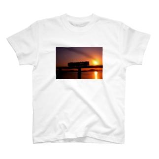シルエットトレイン T-shirts