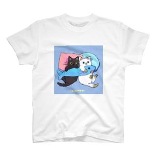 たたメーピー 〈だきまくら🐟〉 T-shirts