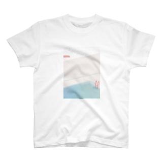 雨の日のプール T-shirts