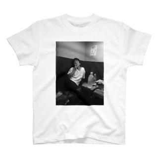 陸奥田 T-shirts