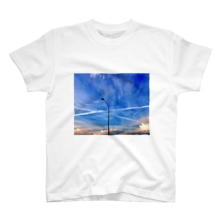 Blue sky  T-shirts