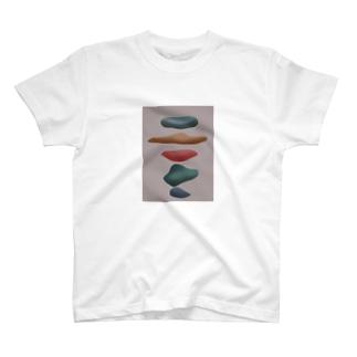 小石 T-shirts