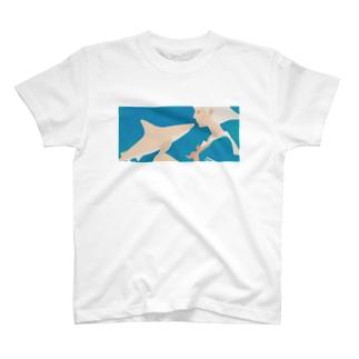 彼女はサメが好き eye Trimming T-shirts