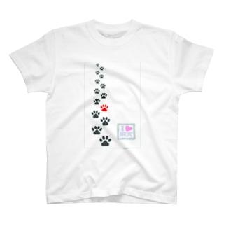 ワンコの足跡。 T-shirts