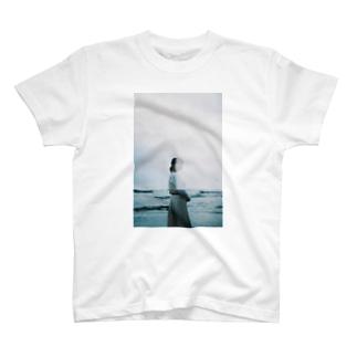 拝啓、水槽の中 T-shirts