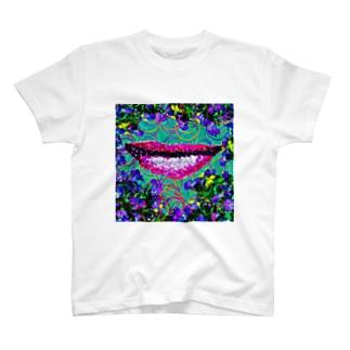 蝶々唇 T-shirts