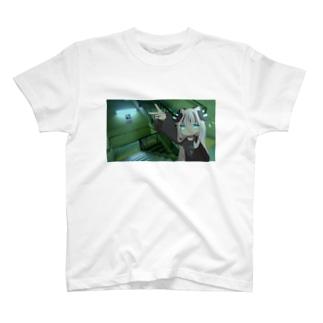 階段 T-shirts