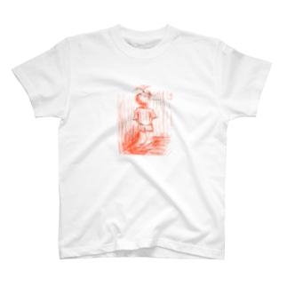 一階に着くのを待つ浴衣の男児 T-shirts