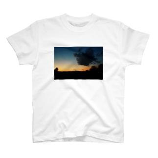 焼けてるやん空 T-shirts