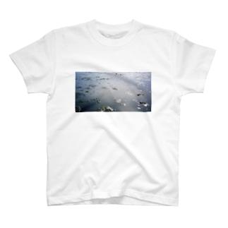地球では潮干狩り T-shirts