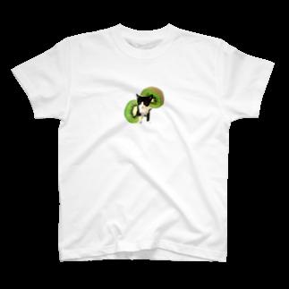 保護猫カフェ「駒猫」さん家のNo.5 キウイくん♪ T-shirts