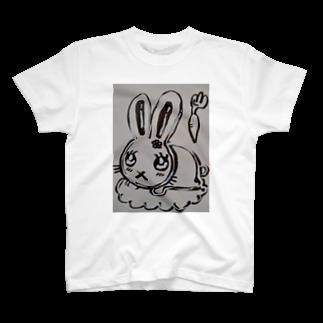 絵描きのまゆんのデザインのうさこちゃん T-shirts