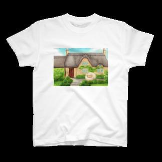 ひつじ好きの未草のギャラリーの茅葺屋根のお家とひつじさん T-shirts
