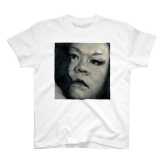 SADAHARU HIGA HAUTE COUTURE・アムロにはなれなかったけどトシミにはなれた女装2。  T-shirts