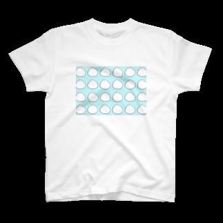 Aiko Furumotoのモチモチのトリ T-shirts