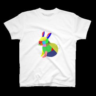 Kuzira/whaleのアートうさぎ T-shirts