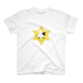 一羽のすずめの羊の上にとどまる鳩 T-shirts