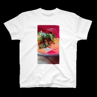 がっこうのそとのikura-salmon T-shirts