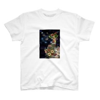 自然の神様と荒廃した地球と。 T-shirts