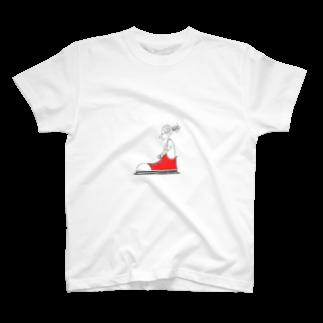 s_uppo_nのスニーカーボーイ T-shirts