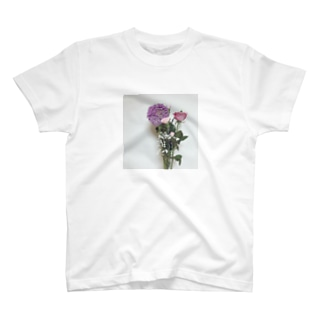 living in flowers-pink T-shirts