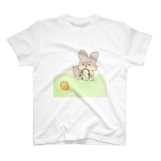 遊んでるヨーキー T-shirts