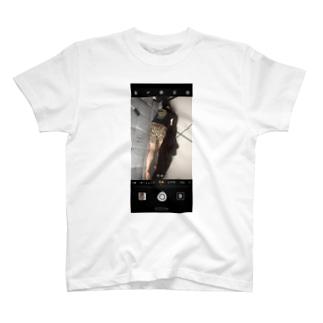 ネコ(後ろ) T-shirts