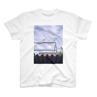空と風車 T-shirts