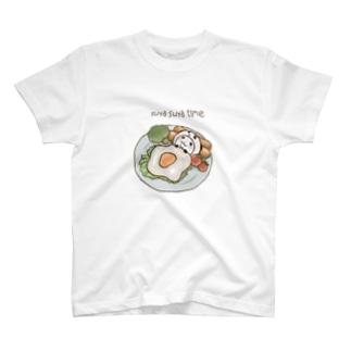 パンダinぱんだ(すやすやタイム) T-shirts