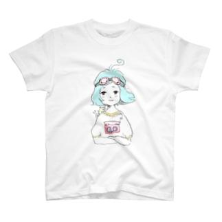 ゴーグルとラジカセ T-shirts