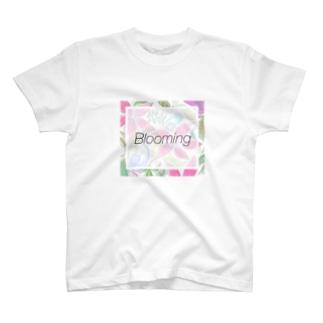 LitandLea Bloom T-shirts