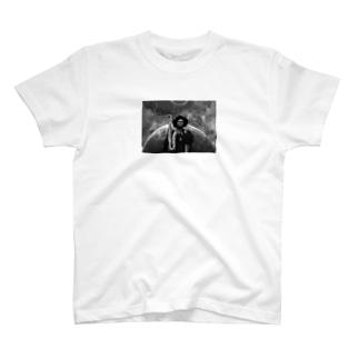 カマシワシントン T-shirts