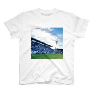 残留 T-shirts
