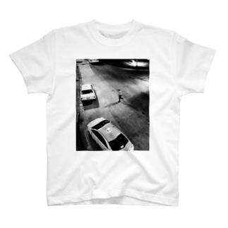 横断 T-shirts
