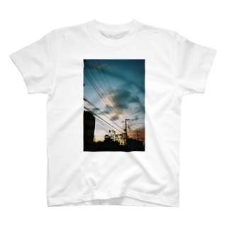 Tommy_is_hungryの夕方 T-shirts