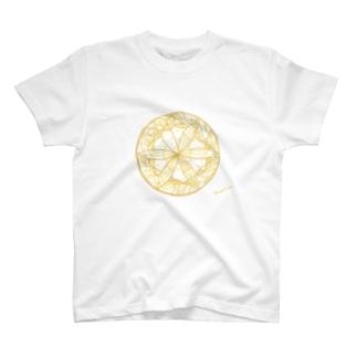 夢を守る蝶 T-shirts